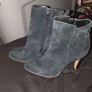 Selling my coach heel boots only worn once